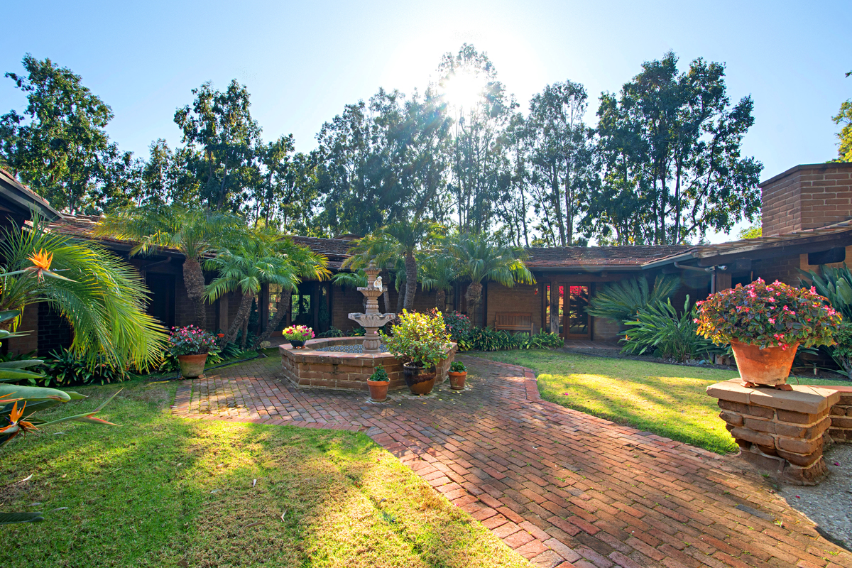 Rancho Santa Fe Authentic Adobe in Covenant on 2.15 Acres